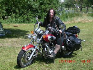 nase prvni akcicka s motorkarema
