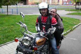 tak vcera jsme si konecne koupili tu vysnenou motorku na svatebni cestu :-)