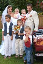 """naše """"mateřská školka""""...ani jedno z dětiček není naše,ale všechny máme rádi:-))"""