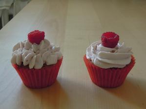 Cele malinove cupcaky :-)