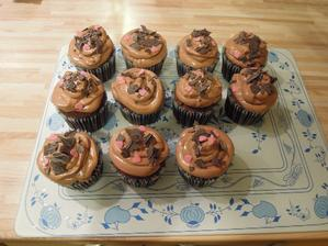 Opat cokoladove cupcakes na ziadost mojho draheho :-)