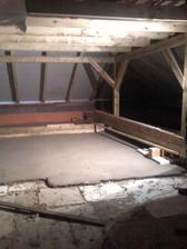 betónový poter na druhom poschodí