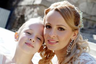 s mojou milovanou dcérkou a družičkou :-)