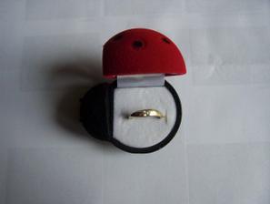Můj zásnubní prstýnek:-)