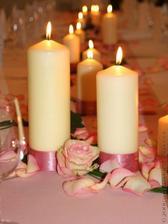 Ozdobit svíčky na stůl zvládnu sama