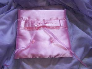 Náš polštářek od Kokošky-děkuju:-)