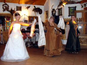s gotickými tanečnicemi:-)