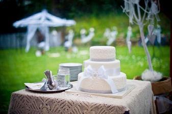 Náš nejkrásnější a moc dobrej dortík :-)