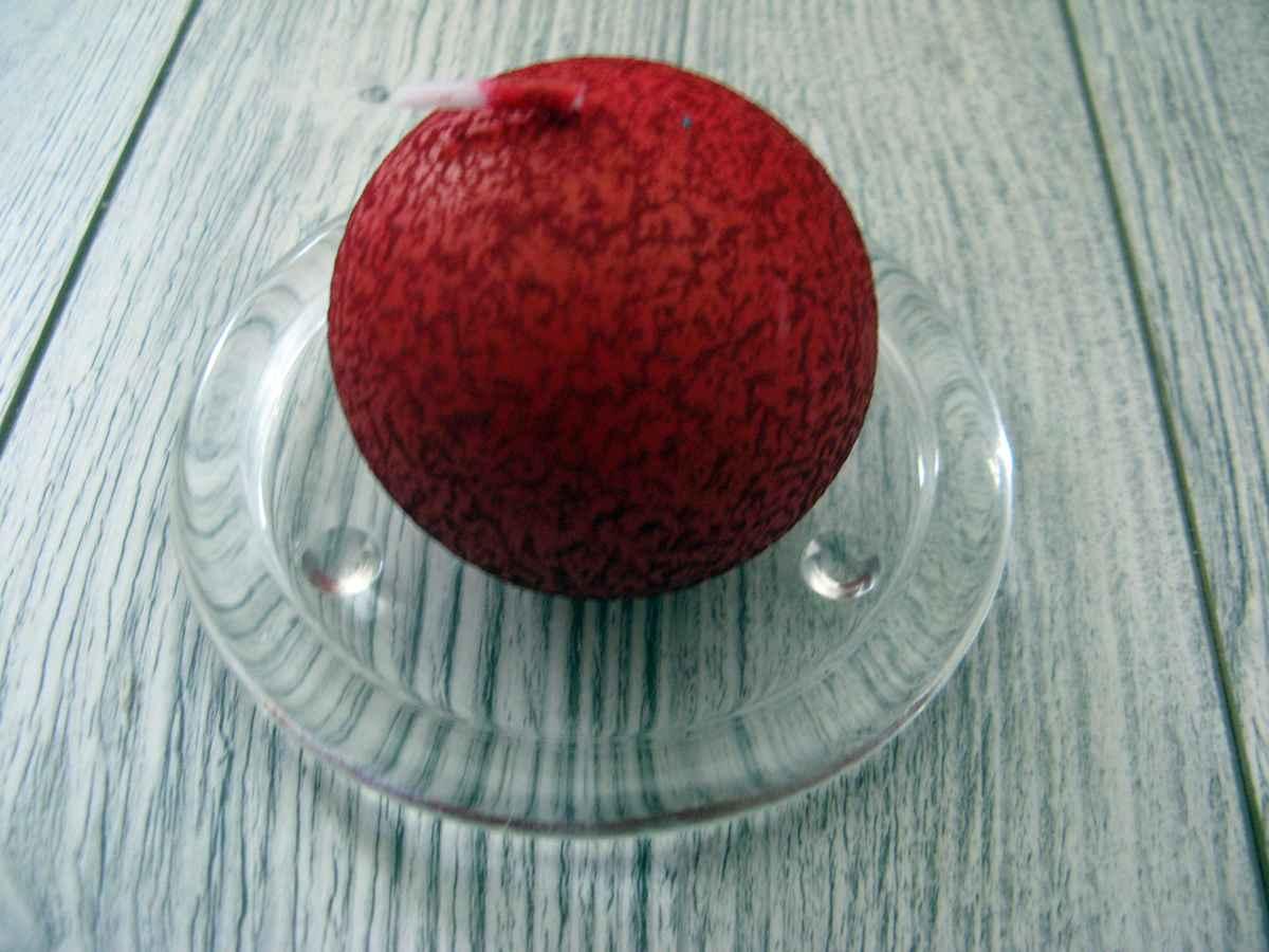 Sviečka guľa 6cm bordová s efektom kôry - Obrázok č. 1