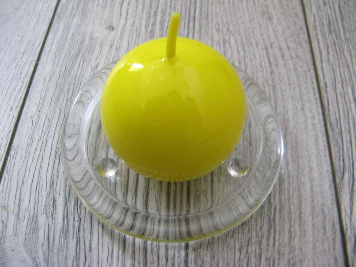 Sviečka guľa 6cm citrónovožltá lakovaná - Obrázok č. 1