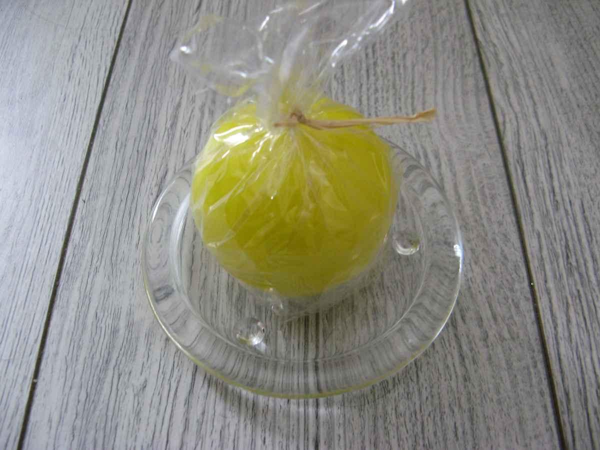 Sviečka guľa 6cm citrónovožltá lakovaná - Obrázok č. 2