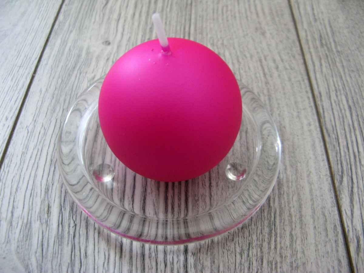 Sviečka guľa 6cm cyklámenová matná perleť - Obrázok č. 1