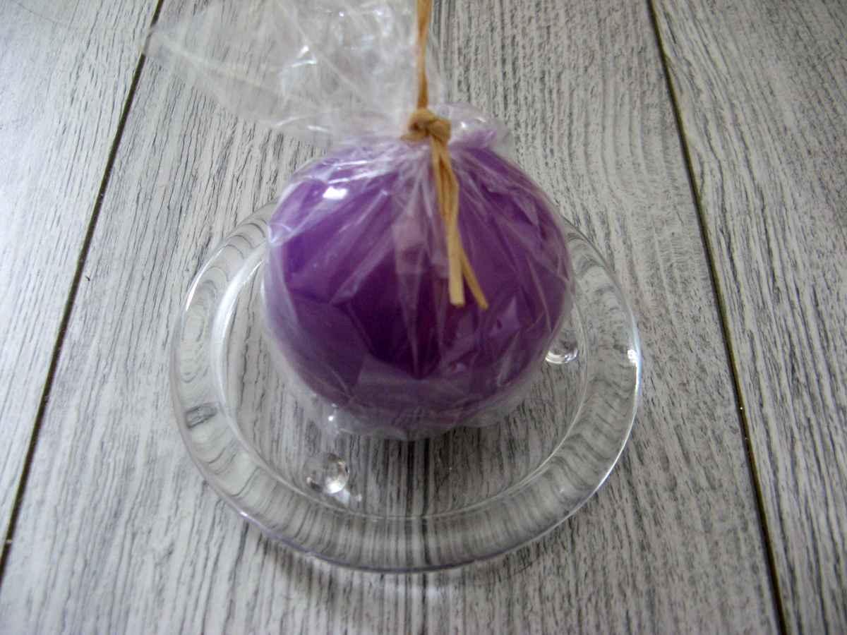 Sviečka guľa 6cm fialová lakovaná - Obrázok č. 2