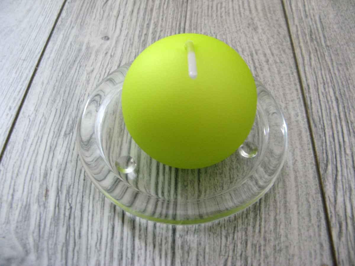 Sviečka guľa 6cm jabĺčková matná perleť - Obrázok č. 1