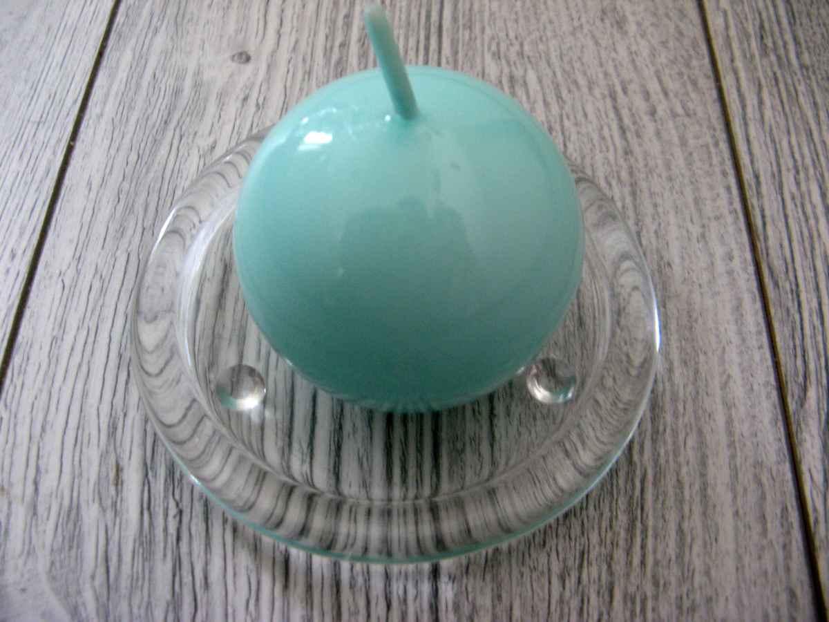 Sviečka guľa 6cm mentolová lakovaná - Obrázok č. 1