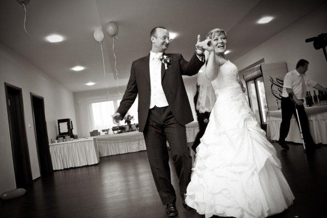Broňa{{_AND_}}Peter - Náš prvý tanec - bolo nacvičené, ale takmer všetky kroky sme zabudli