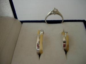 Zásnubní prstýnek a snubáčky. Zlatnictví v Plzni, prstýnky jsme měli během deseti minut i s rytím