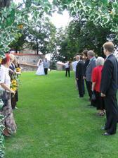 A jde se -  ženich mě viděl poprvé ve svatebních šatech