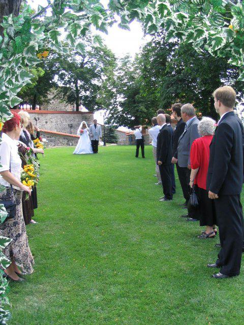 Michaela Riganová{{_AND_}}Jan Somoš - A jde se -  ženich mě viděl poprvé ve svatebních šatech