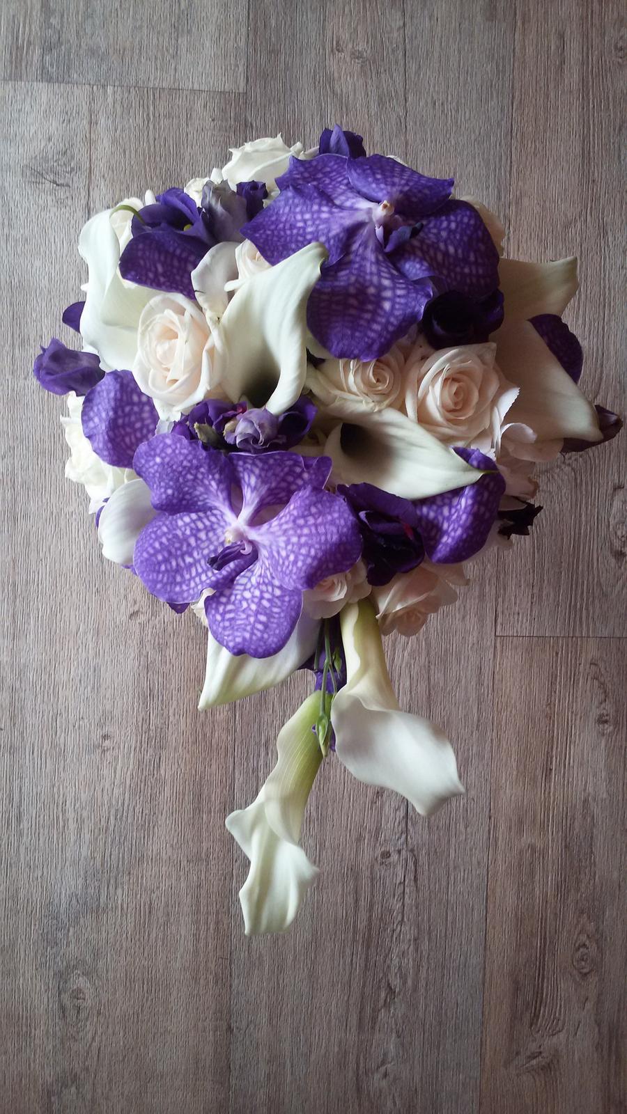 Šárka{{_AND_}}Petr - moje DOKONALÁ kytice od http://svatebni-kvetiny-fiore.webnode.cz/ DOPORUČUJI!