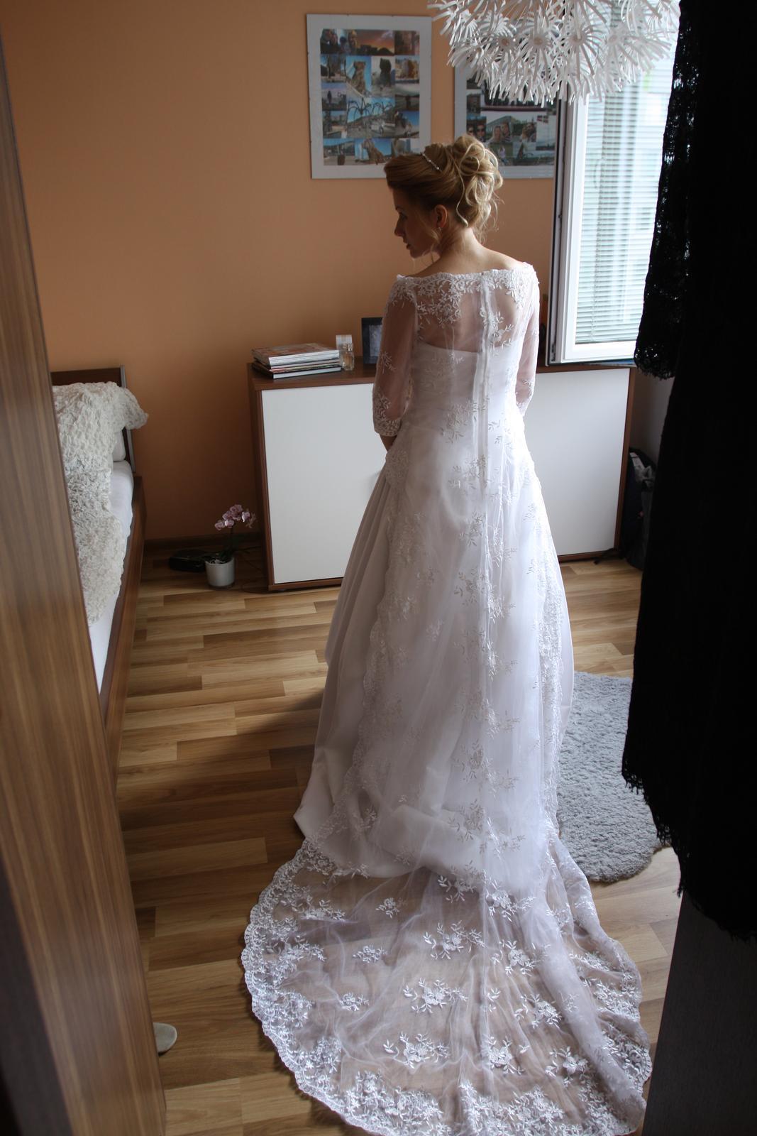 Romantické šaty-style Pronovias  - Obrázok č. 1