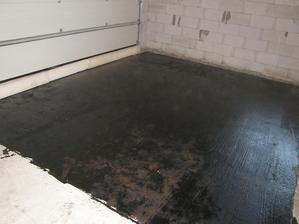 24.5.2017 Příprava na betonování podlahy v garáži.