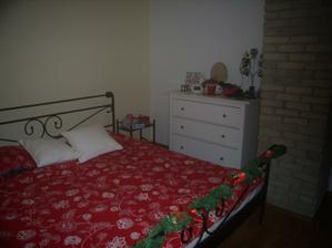vianočná výzdoba nechýba ani v spálni