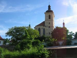 ještě jiný pohled na kapli sv Vojtěcha v Kostelci
