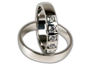 naše snubní prsteny