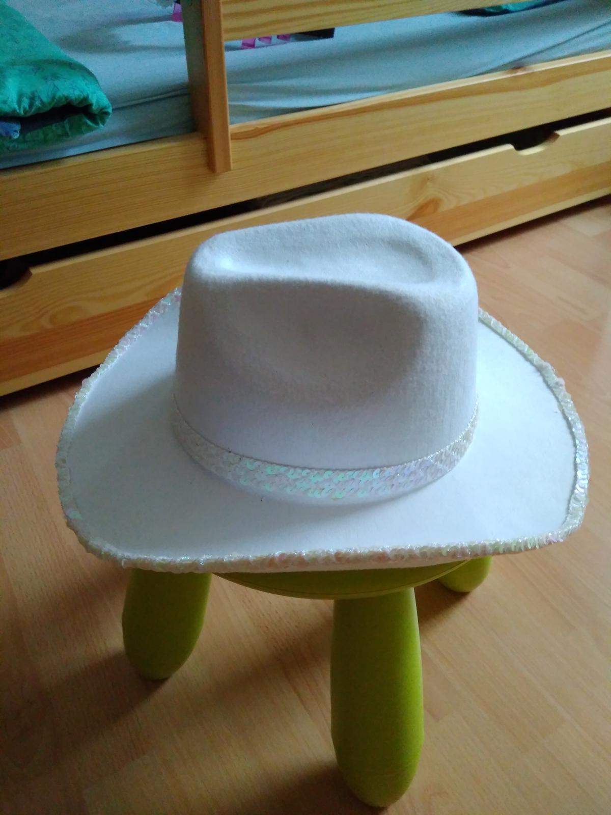 Kovbojsky klobouk a opasek na rozlucku pro nevestu - Obrázek č. 1