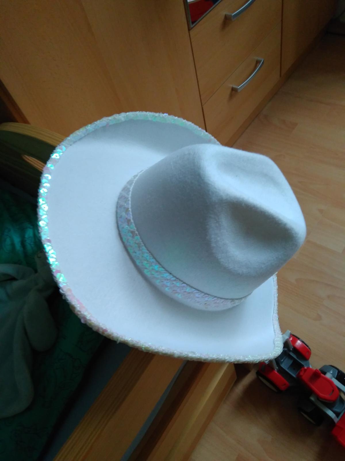 Kovbojsky klobouk a opasek na rozlucku pro nevestu - Obrázek č. 3