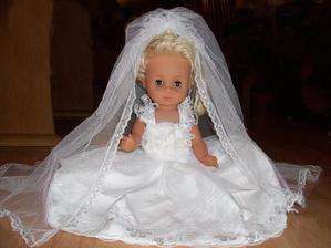 Svatební panenka na auto nevěsty