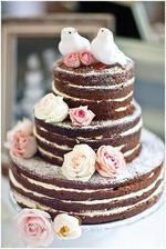 Náš dort..akorát nevím, zda nechat kytky nebo dát ovoce (maliny/jahody/borůvky)