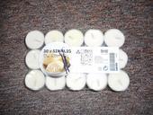 Malé svíčky bílé,