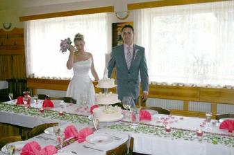 Krásně udělaná svatební tabule, jednoduché a mooooc pěkné!