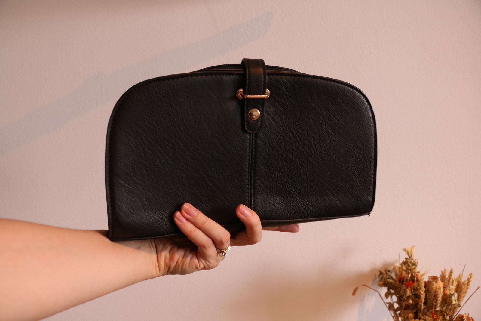Čierna listová kabelka - Obrázek č. 1