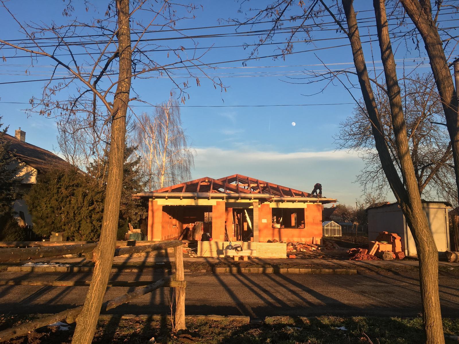 Bungalov 2k17 - individuálny projekt - Počasie je krásne :) 29. január a vonku skoro 14 stupňov