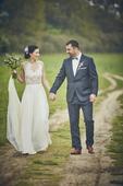 svatební šaty od návrhářky Kamily Vodochodské, 36