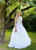 Svatební šaty, 36