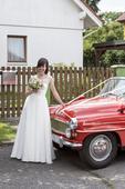 Svatební šaty - jednoduché a něžné, 35