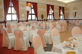 v tejto sále sa bude konať naša svadba ale v zlato-krémova výzdoba