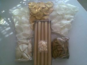 sviečky zlaté do svietnikov na stoly, lupienky, balóniky... ako inááááč krémovo-zlaté