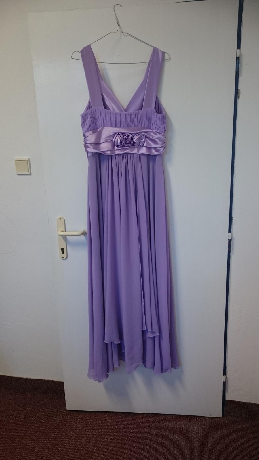 Fialové spoločenské šaty - Obrázok č. 2