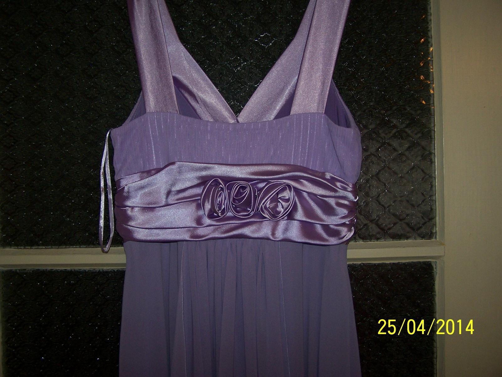 Fialové spoločenské šaty - Obrázok č. 3