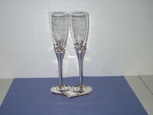 Naše skleničky na přípitek, jsou super!