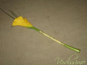 Jojo .Květina pro babičky a O.ségru akorát bude bílá kala fialová stuha.