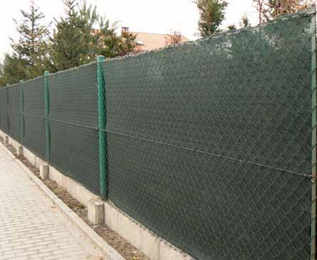 Ahoj děti :-) prosím Vás, kdo máte na plotech stínicí sítě můžete mi doporučit, které jsou dobré, aby něco málo vydržely a hned se třeba větrem nepotrhaly atd... Děkuji Martina - Obrázek č. 1
