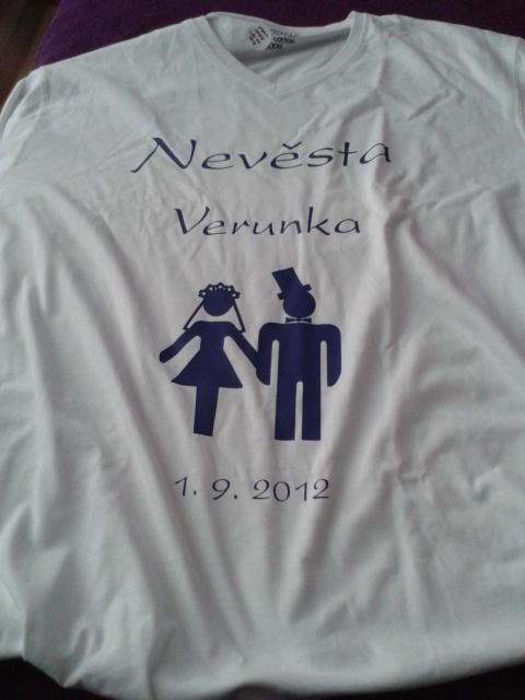 Naše třička :) - Moje - přední strana trička
