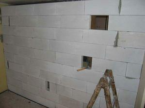 ...pohled na prvni stenu z kuchyne