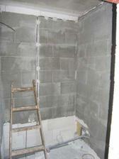 ...a naposledy snad prazdna stena za vanou :o)